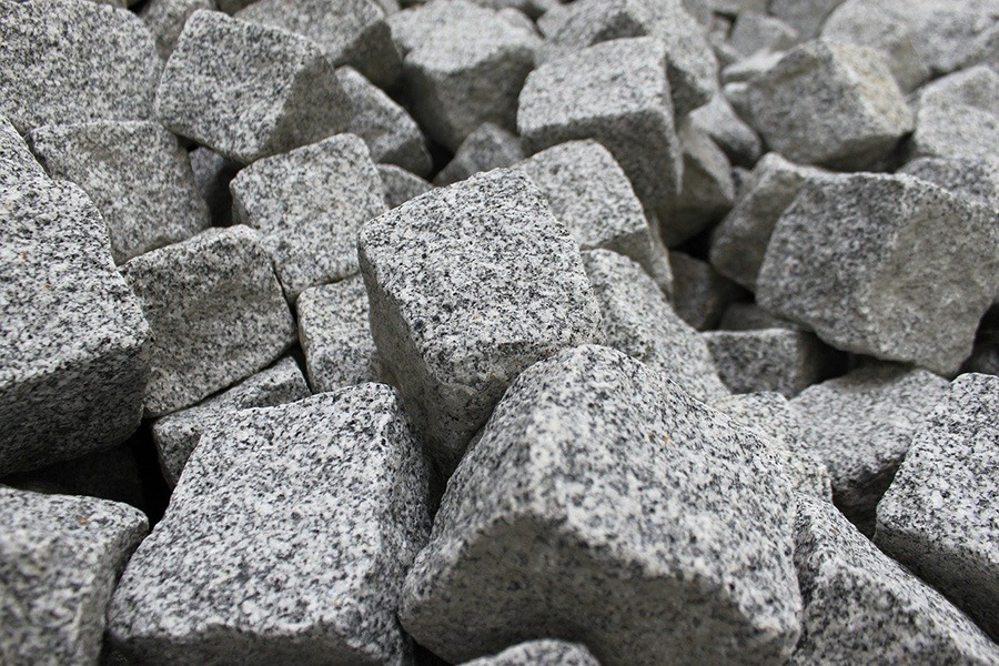 lots of different small pieces of granite rock